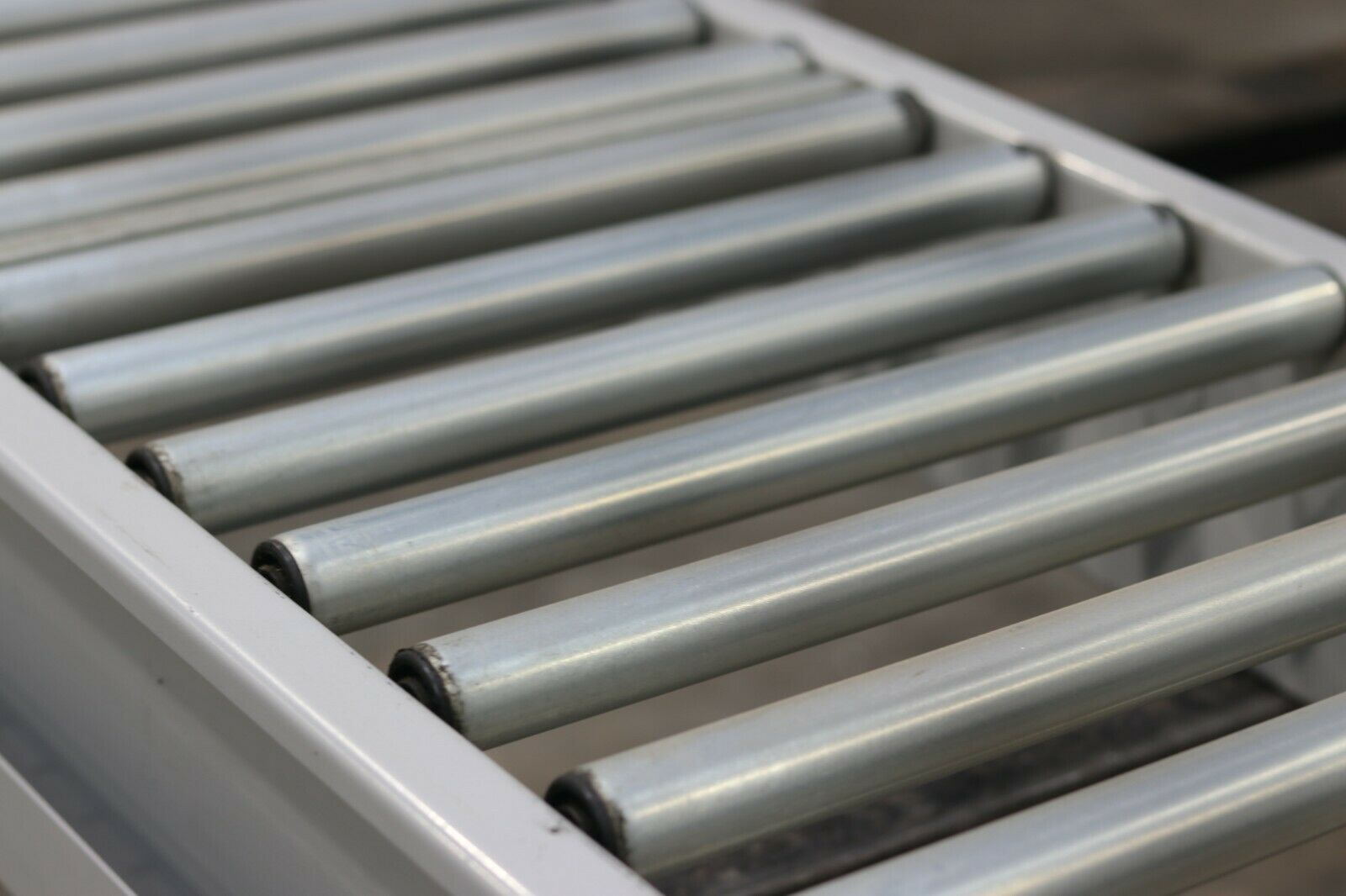 second hand gravity roller conveyors