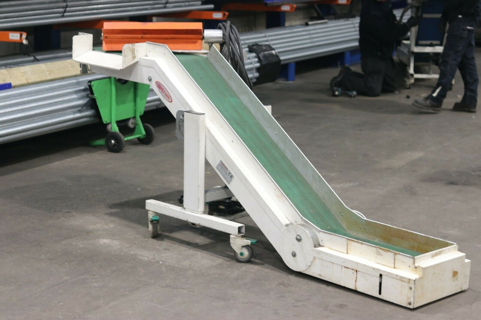 Second hand injection moulding conveyor with spru seperator used conveyors