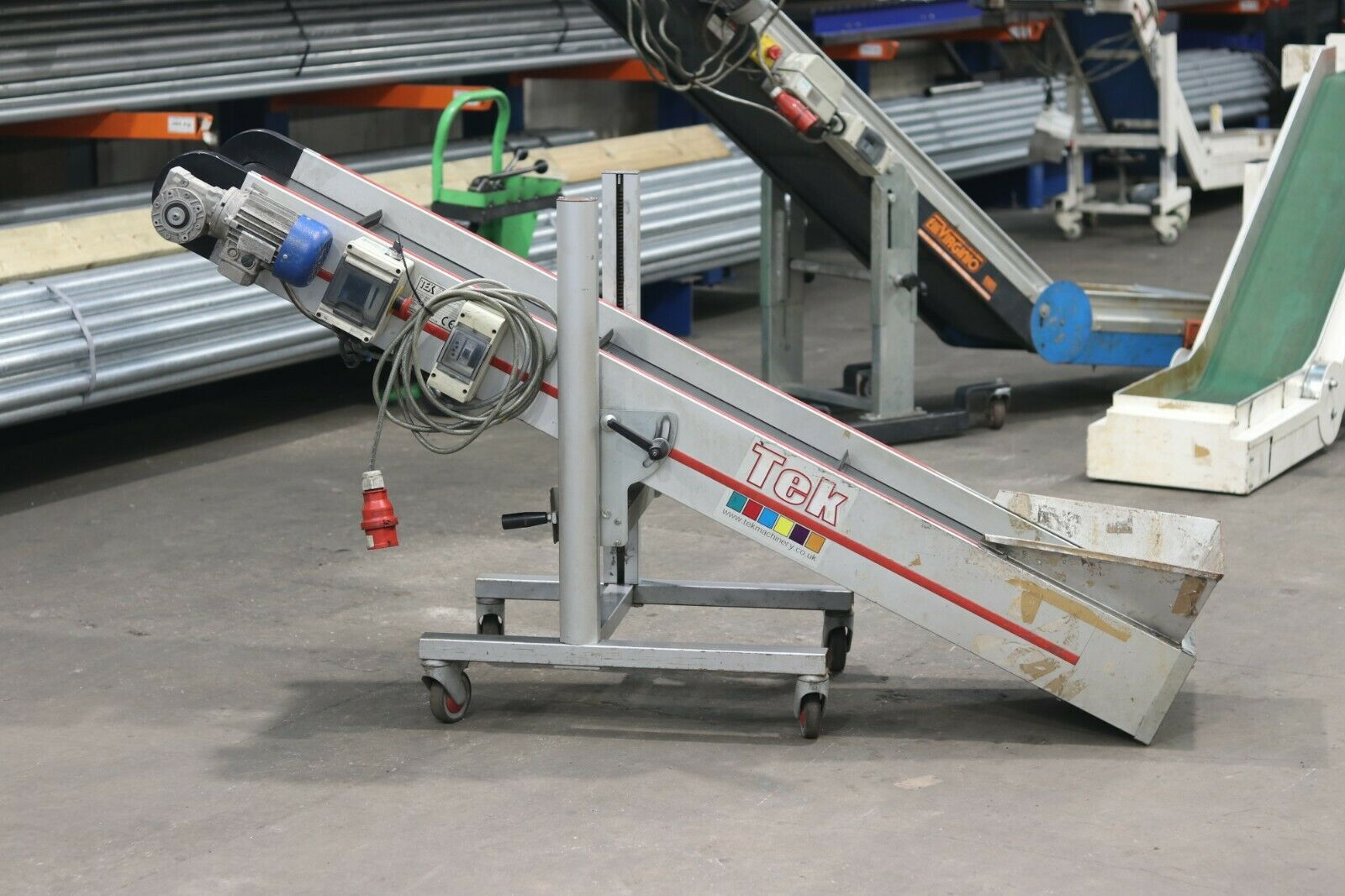 Used Incline Straight Elevator Conveyor Plastics Incline Conveyor