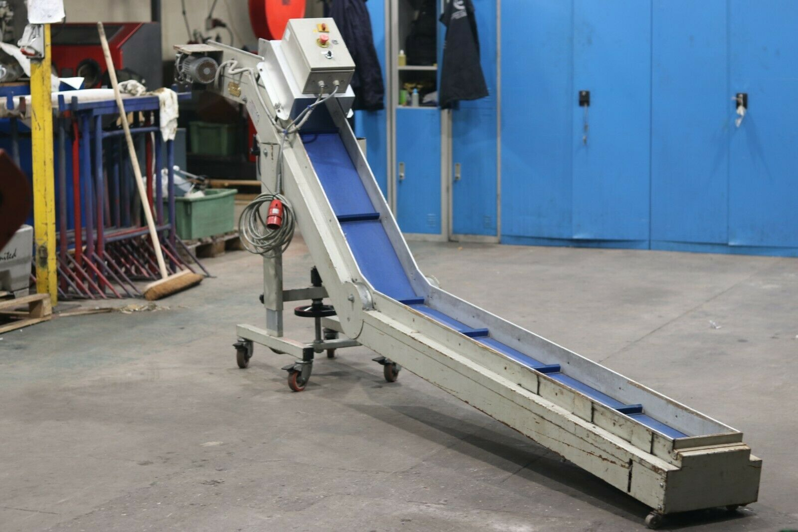 Used Incline Swan Neck Belt Conveyor Elevator